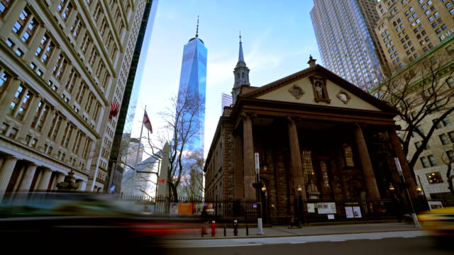st. paul's chapel of trinity church wall street and freedom tower - cattolicesimo video stock e b–roll
