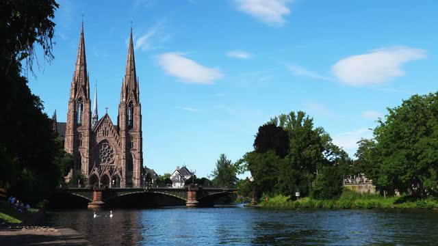 st. paul's church / strasbourg, bas-rhin, france - straßburg stock-videos und b-roll-filmmaterial