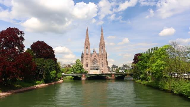 vídeos de stock e filmes b-roll de st. paul's church, time lapse - estrasburgo