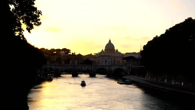 dom st. peter in rom, italien - vatikanstaat stock-videos und b-roll-filmmaterial