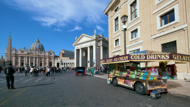 st. peters basilica & drinks stall, st. peters square, rome, italy - petersplatz stock-videos und b-roll-filmmaterial