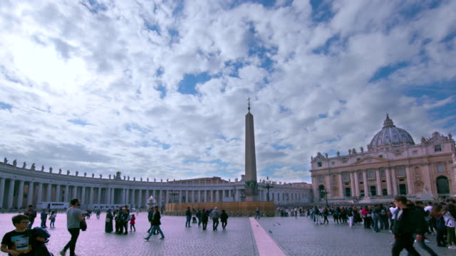 st. peter's basilica & main square, st. peters square, rome, italy - petersplatz stock-videos und b-roll-filmmaterial