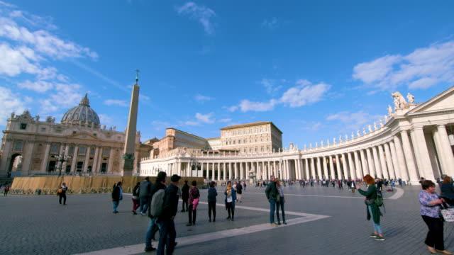 st. peter's basilica & main square, st. peters square, rome, italy - サンピエトロ広場点の映像素材/bロール