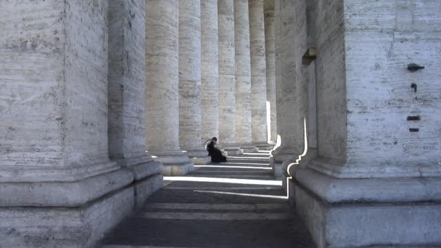 st. peter's square - サンピエトロ寺院点の映像素材/bロール