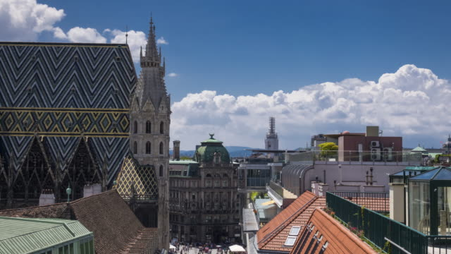 stephansdom in wien  - wien stock-videos und b-roll-filmmaterial