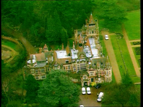 Stabbed George Harrison returns home LIB Oxfordshire Henley George Harrison's mansion home
