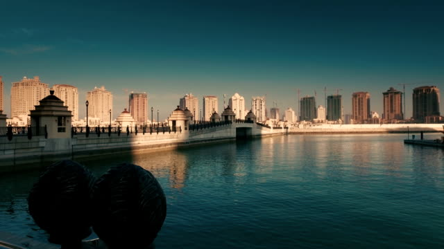 """stockvideo's en b-roll-footage met stabilized tracking shot in """"the pearl-qatar"""" in doha, qatar - doha"""