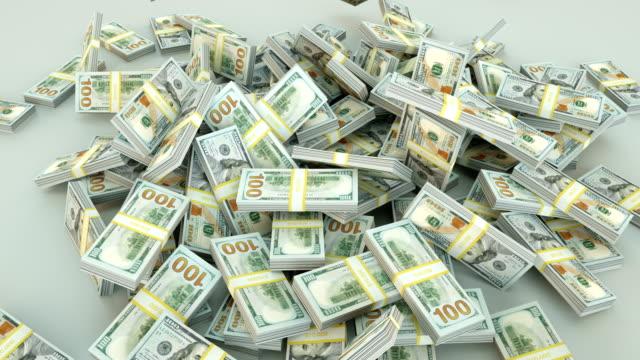 dollar in höhe von 100 dollar us-rechnungen - aktentasche stock-videos und b-roll-filmmaterial