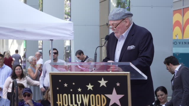 vídeos y material grabado en eventos de stock de speech stacy keach at stacy keach honored with a star on the hollywood walk of fame on july 31 2019 in hollywood california - stacy keach