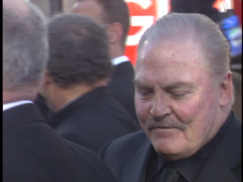vidéos et rushes de stacy keach at the golden globes 2006 at beverly hilton hotel, beverly hills in beverly hills, ca. - the beverly hilton hotel