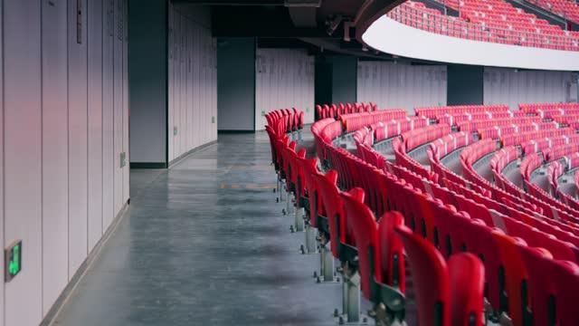 stockvideo's en b-roll-footage met stadion zitplaatsen - theaterzaal