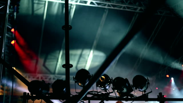 stage lights at concert - entertainment building stock videos & royalty-free footage