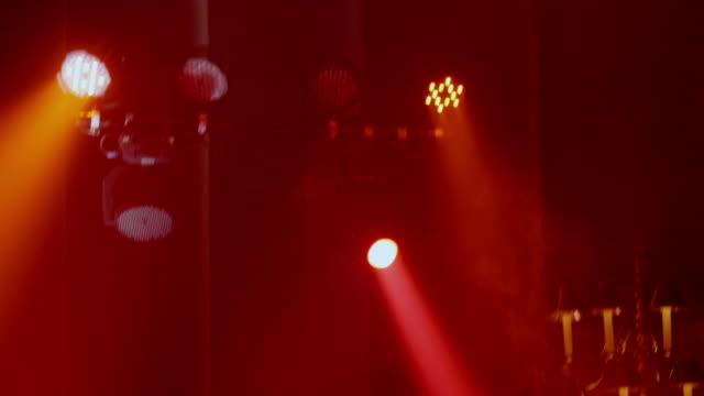 vídeos y material grabado en eventos de stock de luces de la etapa móvil - interruptor de luz