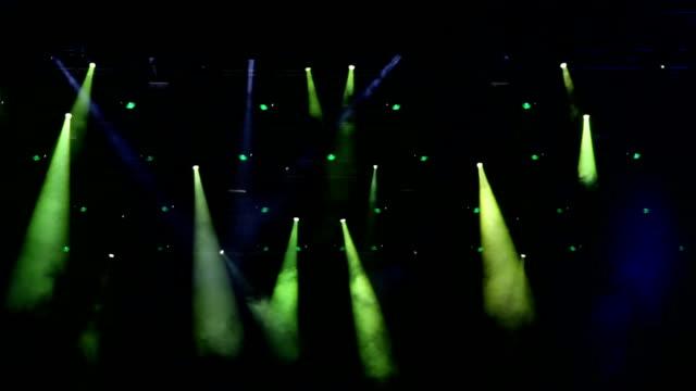 bühne lichter - aufführung stock-videos und b-roll-filmmaterial
