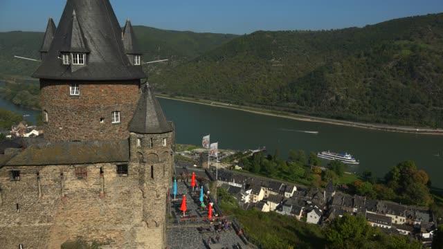stahleck castle, bacharach, rhine river, rhineland-palatinate, germany, europe - etwa 12. jahrhundert stock-videos und b-roll-filmmaterial