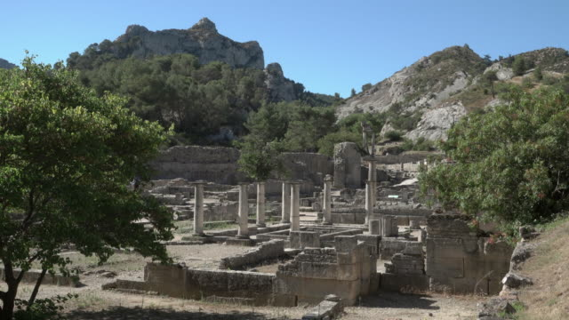 staic shot of ancient roman city glanum in saint-rémy-de-provence - 6th century bc stock videos and b-roll footage