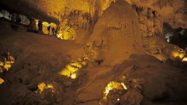 vídeos de stock, filmes e b-roll de ms stalactite cave neptune's grotto (grotta di nettuno) near alghero / sardinia, italy - grotto cave