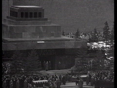 stalin funeral march, street parade, end of ceremony at red square / moscow, russia, audio - 1953 stock videos & royalty-free footage