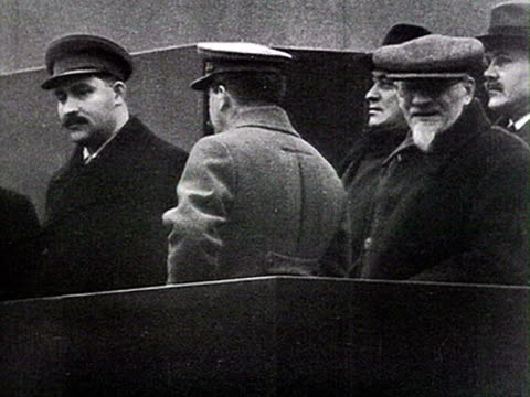 stalin with kalinin and voroshilov at mausoleum from tribune audio / moscow russia - ex unione sovietica video stock e b–roll