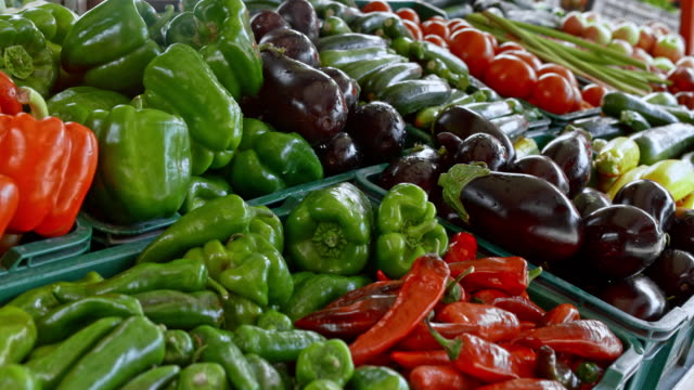 pan stall on the farmer's marketplace - pepper vegetable stock videos & royalty-free footage