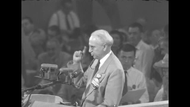 vidéos et rushes de standing at the rostrum at the 1952 democratic national convention sot in gov henry schricker places name of candidate adlai stevenson governor of il... - adlai stevenson