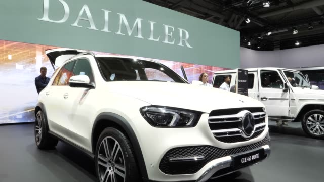 suv stands among vehicles on display at the annual daimler ag shareholders meeting on may 22 2019 in berlin germany daimler has struggled with... - sports utility vehicle stock-videos und b-roll-filmmaterial