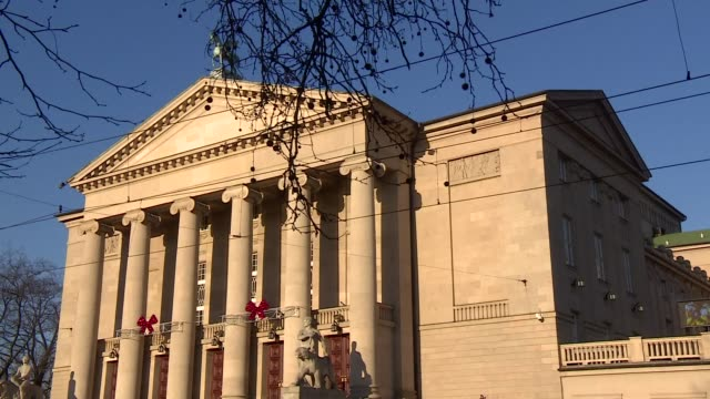 stanislaw moniuszko grand theatre in poznan - ペディメント点の映像素材/bロール