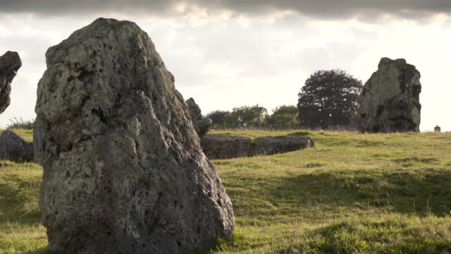 stanton drew stone circle on a summer afternoon - obelisk stock videos & royalty-free footage