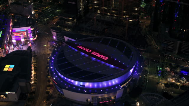 aerial staples center in los angeles at night - staples centre stock videos & royalty-free footage
