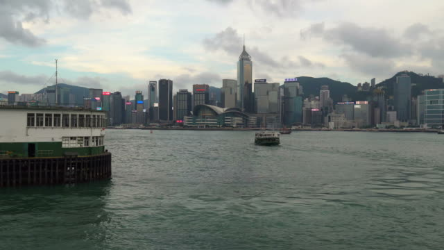 stockvideo's en b-roll-footage met star ferry time lapse on the victoria harbor in hong kong - star ferry