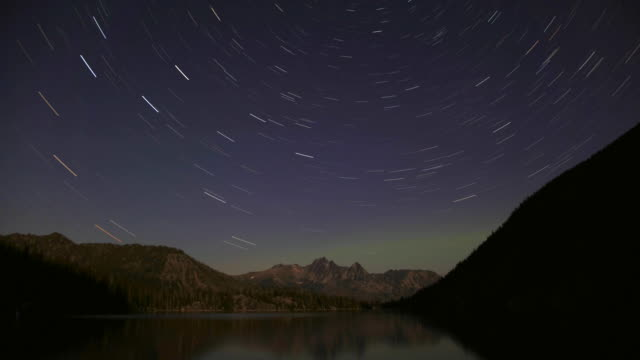 WS Star trails and Northern Lights above Colchuck Lake / Alpine Lakes Wilderness/ Washington/ USA