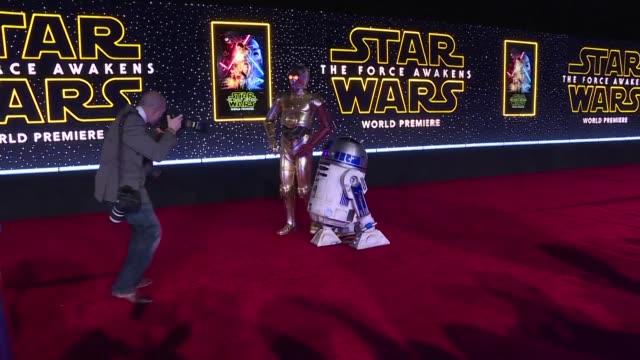 Star Wars revento este miercoles el record de taquilla en Estados Unidos y Canada que hasta ahora tenia Avatar con El despertar de la fuerza aunque...