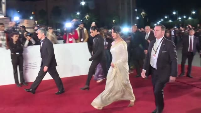 stockvideo's en b-roll-footage met stars arrive on the red carpet at the 18th edition of the marrakesh film festival in morocco for a tribute to australian cinema - filmfestival