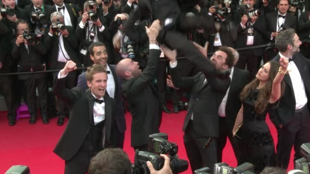 stars crowd the red carpet at the cannes film festival for the presentation of dreamworkss how to train your dragon 2 including heike makatsch ines... - how to train your dragon stock videos & royalty-free footage