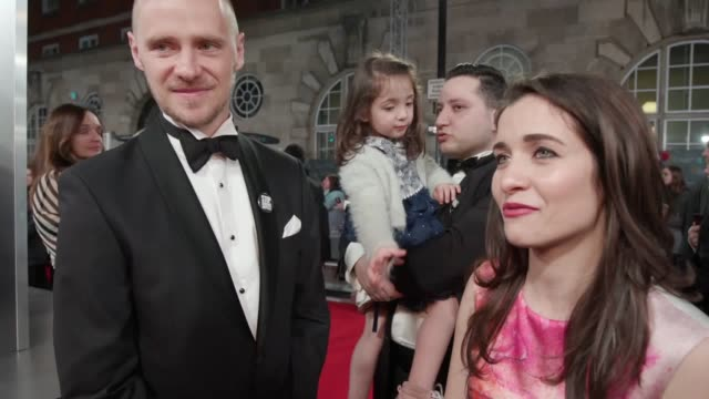 stars of the big screen hit the red carpet in london for the 2020 baftas. scarlett johansson and jonathan pryce were among those in attendance. lulu... - ジョナサン・プライス点の映像素材/bロール