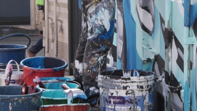 vidéos et rushes de st+art is an annual urban street and public art festival, it includes murals, installations, performances, graffiti, murals, etc. wip - the street... - mode de vie alternatif