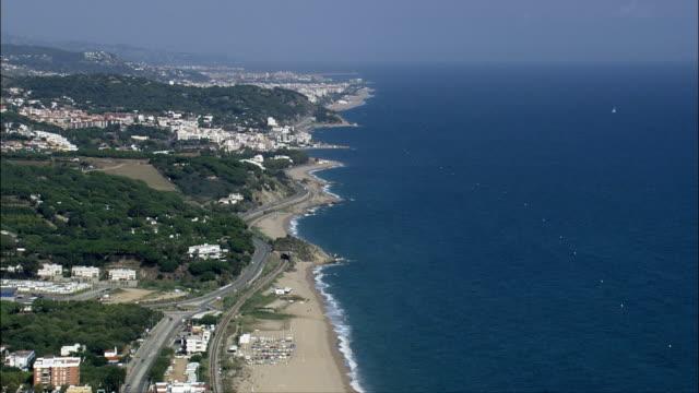 vídeos y material grabado en eventos de stock de inicio delaware la costa brava la costa-vista aérea-cataluña, barcelona, canet delaware marzo, españa - imágenes