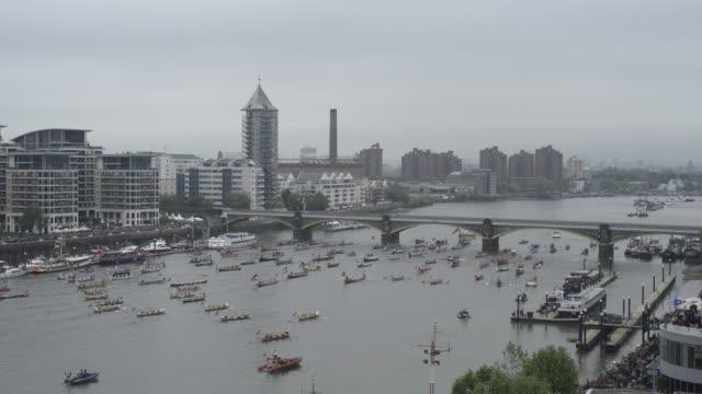 start of the diamond jubilee flotilla on the river thames. - flotilla stock videos & royalty-free footage