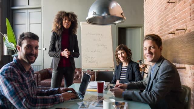 vídeos y material grabado en eventos de stock de startup business team - camisa a cuadros