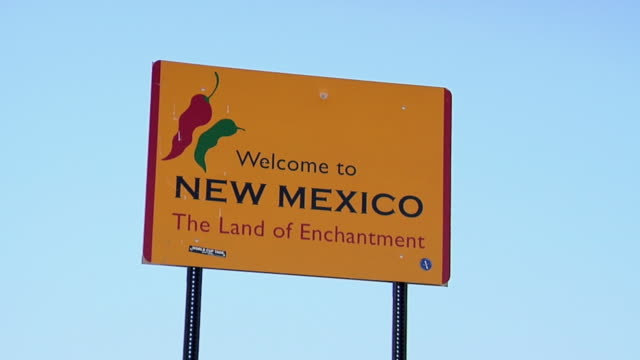 ZO WS State Border Sign to New Mexico at rural road, New Mexico, USA
