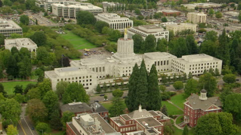 ws aerial ds state capitol building in downtown salem / oregon, united states - oregon us state stock videos & royalty-free footage