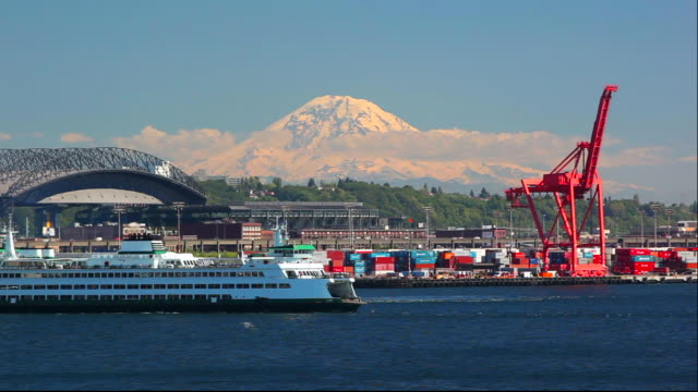 ws state ferry on elliott bay with mount rainier in background / seattle/ washington/ usa - mt rainier stock videos & royalty-free footage