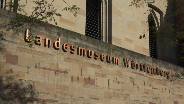 vídeos de stock e filmes b-roll de state museum wuerttemberg, stuttgart, baden-wuerttemberg, germany - escrita ocidental