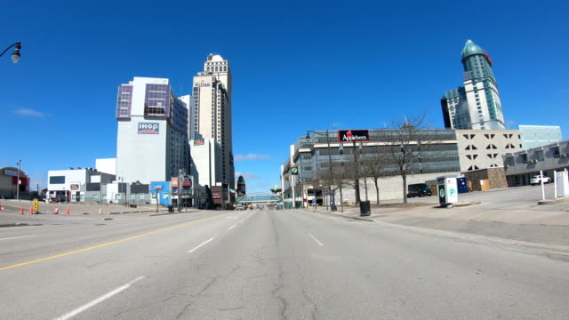 state of emergency  during coronavirus ,the streets of niagara falls are empty. - toronto stock videos & royalty-free footage
