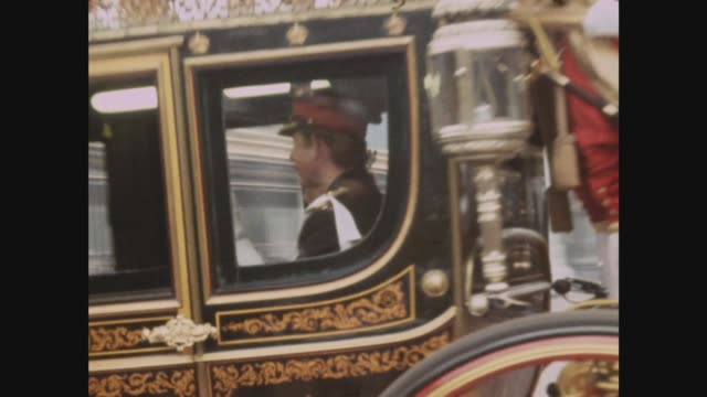 State opening of Parliament ***CONTAINS London Buckingham Palace MS Horse Guards LR from gates of Buckingham Palace MS Royal coach from Palace Yard...