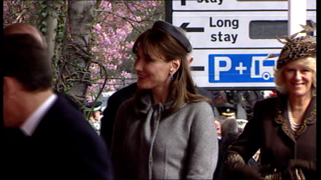 state visit by nicolas sarkozy and his wife carla bruni; berkshire: windsor: sarkozy and bruni-sarkozy curtseying and bowing before queen elizabeth... - british royalty stock videos & royalty-free footage