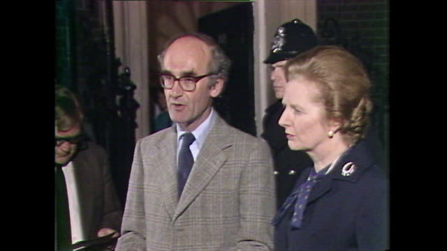 statement john nott, defence secretary, with prime minister margaret thatcher, outside 10 downing street, about the retaking of south georgia in the... - atlantic islands stock videos & royalty-free footage