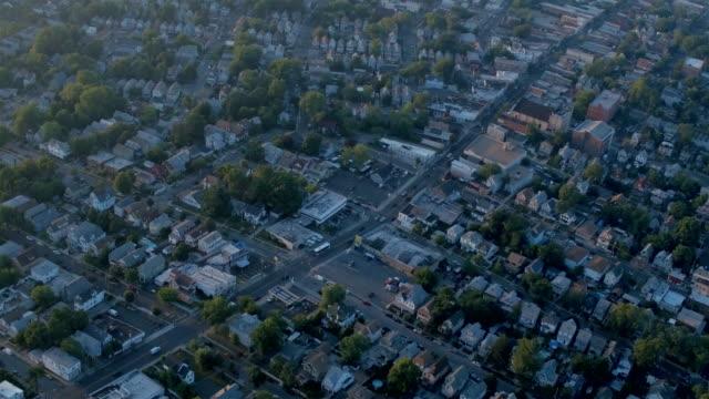 vídeos de stock e filmes b-roll de staten island/newark neighborhoods - fábrica petroquímica