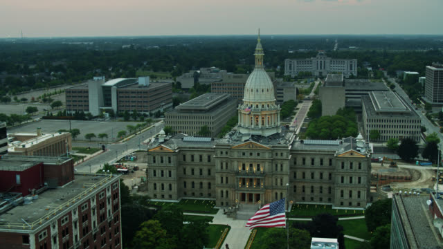 static aerial shot of the michigan state capitol - lansing stock videos & royalty-free footage