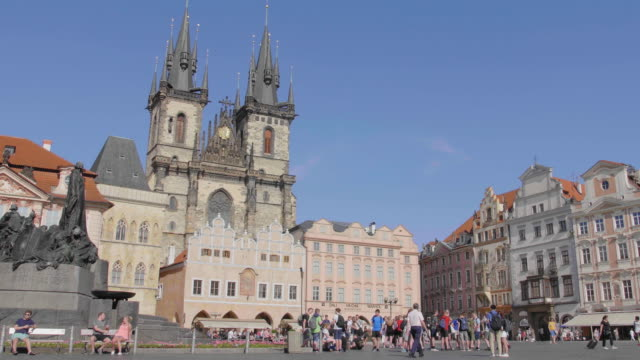 static establishing shot of building and architecture in old town square, prague, czech republic. - stare mesto stock videos & royalty-free footage